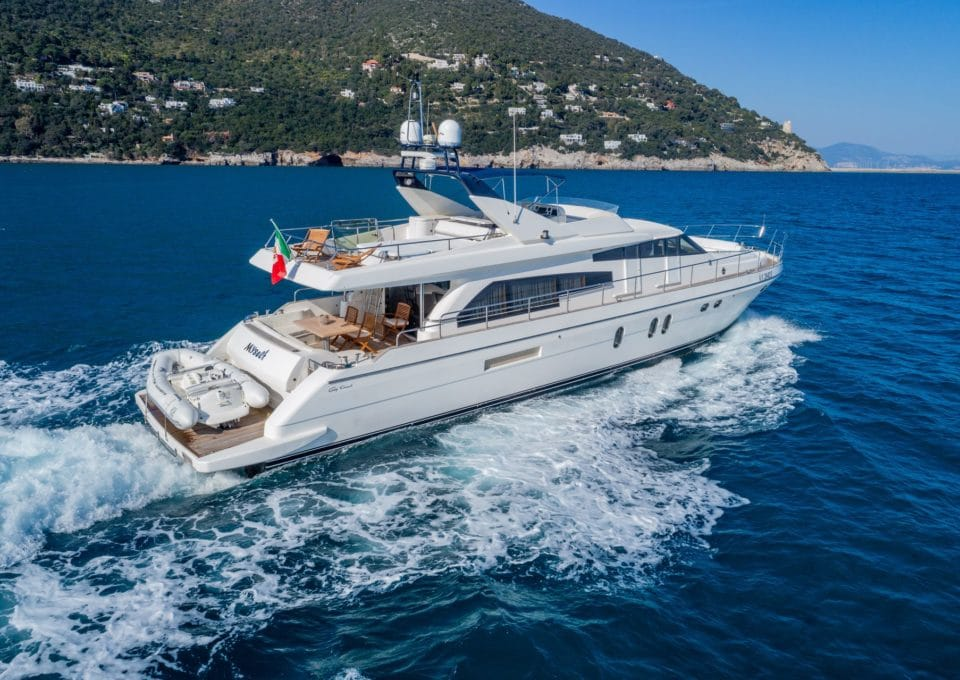 M/Y MYSELF | Charter with Arthaud Yachting